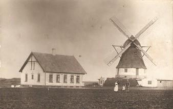 Plougstrup Mølle. Foto: Jernved Sognearkiv.