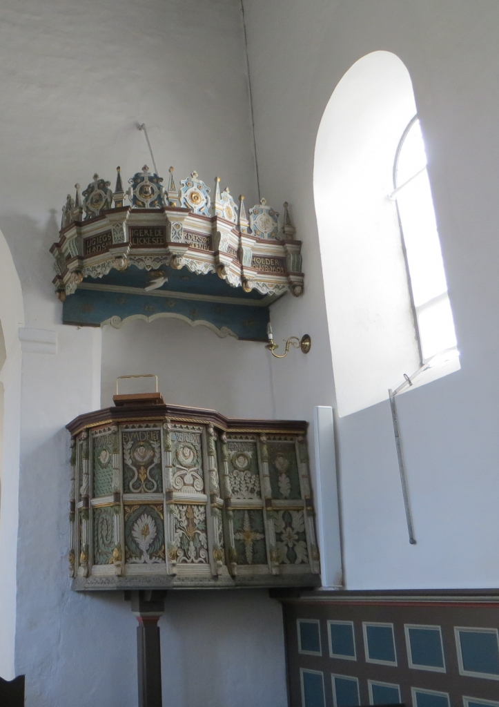 The pulpit was built by Anders Katkier in 1585. Photo: Charlotte Lindhardt