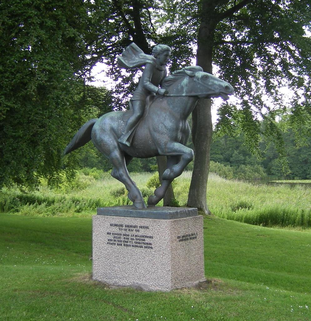 Statuen af Dagmars Dreng i Skanderborg. Foto: Ole Steinmeier.