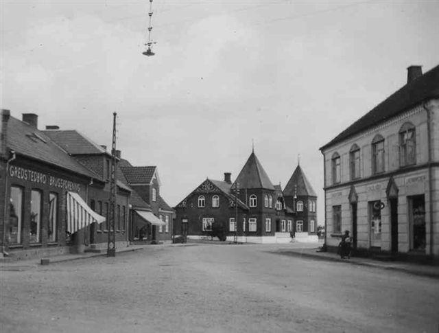 Vestergade i 1950'erne. Foto: Jernved Sognearkiv.