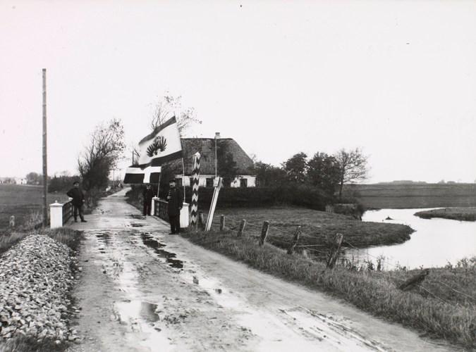 Die Grenze bei Skodborghus ungefähr 1910. Foto: Det Kongelige Bibliotek.