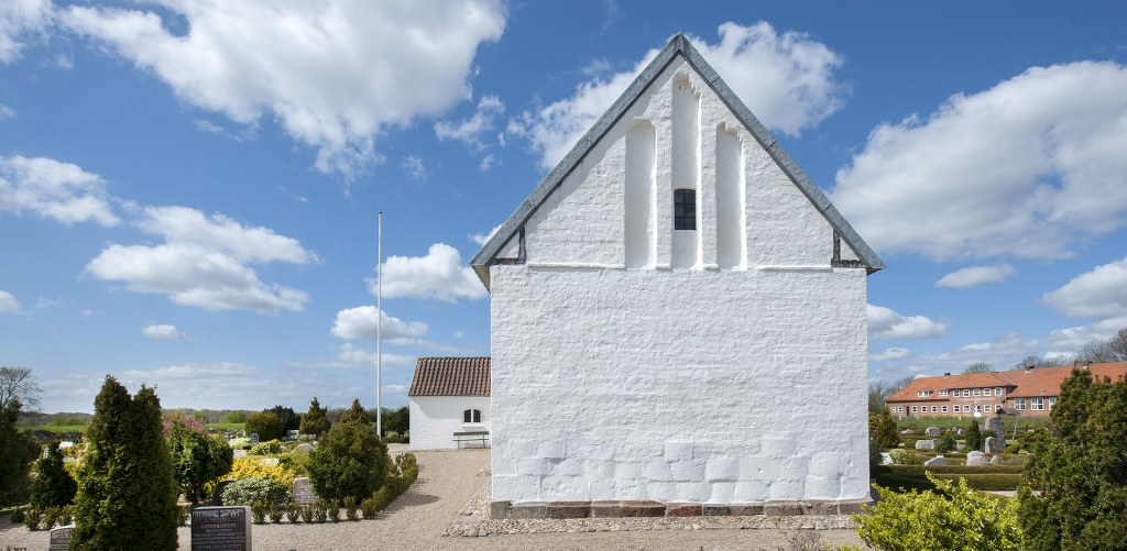 Kalvslund Church was built in two stages between 1200 and 1250. Photo: Esbjerg Town Historical Archives, Torben Meyer.