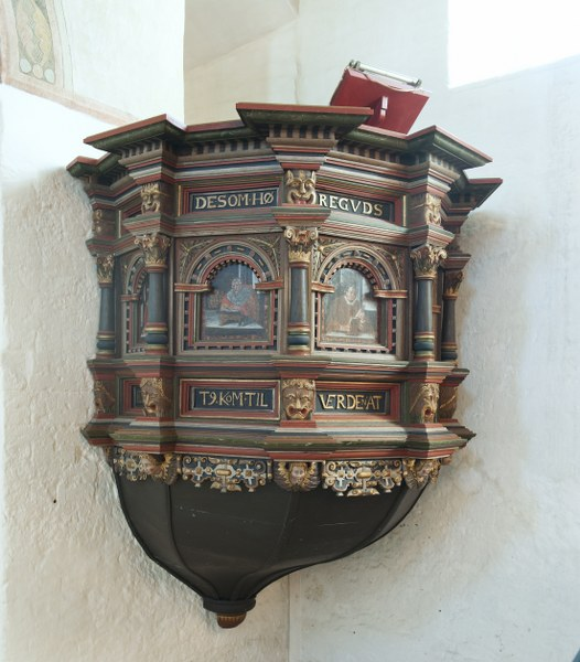 Pulpit from 1620. Photo: Esbjerg Town Historical Archives, Torben Meyer.