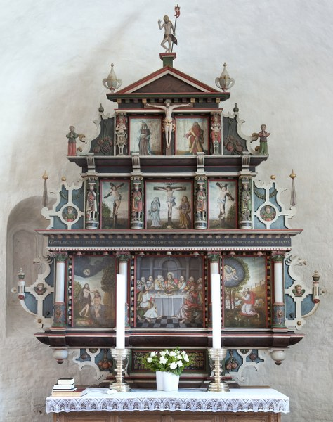 The altarpiece's paintings depict the sacrament, Baptism of Christ, Gethsemane and the crucifixion. Photo: Esbjerg Town Historical Archives, Torben Meyer.